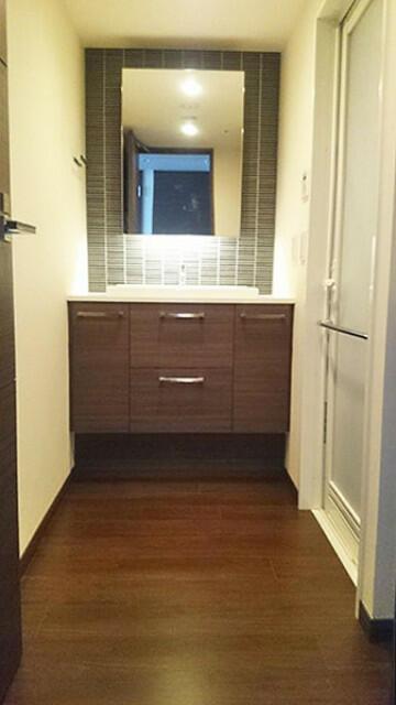 収納スペース付き洗面台