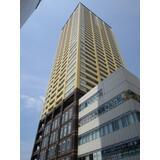 ぺデストリアンデッキで駅直結の地上36階建のタワーマンションです。
