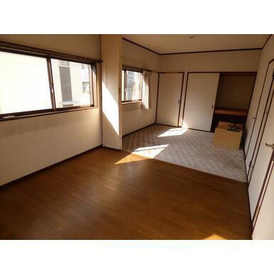 2階洋室は各4.5畳です。