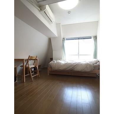 洋室 約9.0帖※家具・什器備品は販売価格に含まれません
