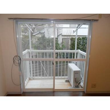 2階居室窓
