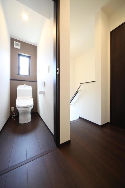 【河北郡津幡町】庄分譲2号棟 トイレ