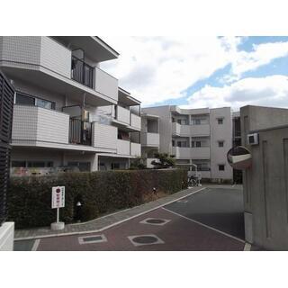 メゾンドール池田五月山東 3階 3LDK