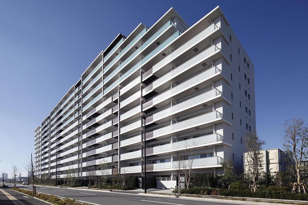 外観<br /> 全253邸のビッグプロジェクト。南東向き・南西向きの2棟配棟で、たっぷりの陽光が降り注ぎます。