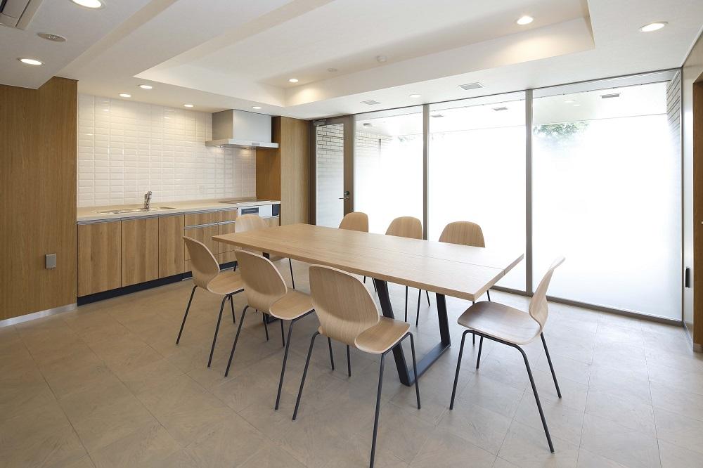 ディスカバールーム(2019年3月撮影)<br /> 週末ごとに小さな発見があるディスカバールーム。料理教室やヨガなど、様々なやりたいことが見つけられる空間です。