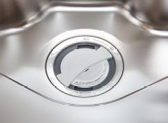 【ディスポーザ】  生ごみをスイッチ一つで処理できる  ※生ごみの種類によっては処理できないものがあります。