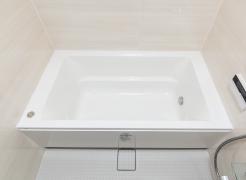 【保温浴槽】  お湯が冷めにくい構造