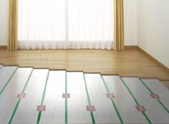 【ガス温水式床暖房】  足元から室内を暖める  ※参考写真