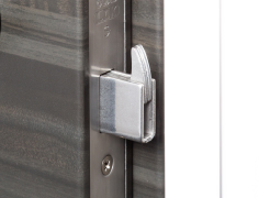 【鎌錠】  玄関ドアのこじ開け防止に効果のある